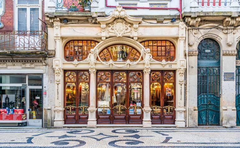 The emblematic Café Majestic